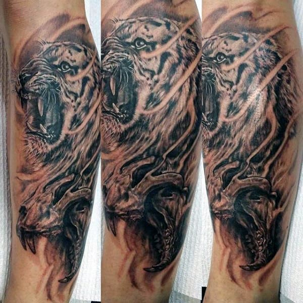 man-with-tiger-tattoo-on-arm