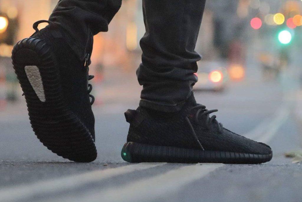 All-Black Men Sneaker